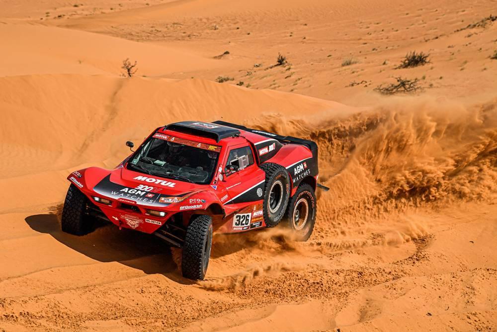 Dakar 2021 : Serradori et Loeb malchanceux